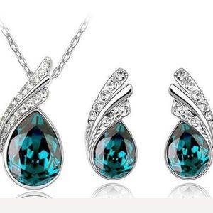 Jewelry - AAA Zircon Peacock Pendant Necklace And Earrings